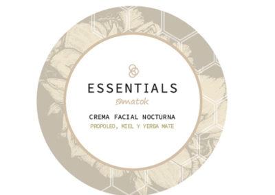 Essentials Logo Packagnìing